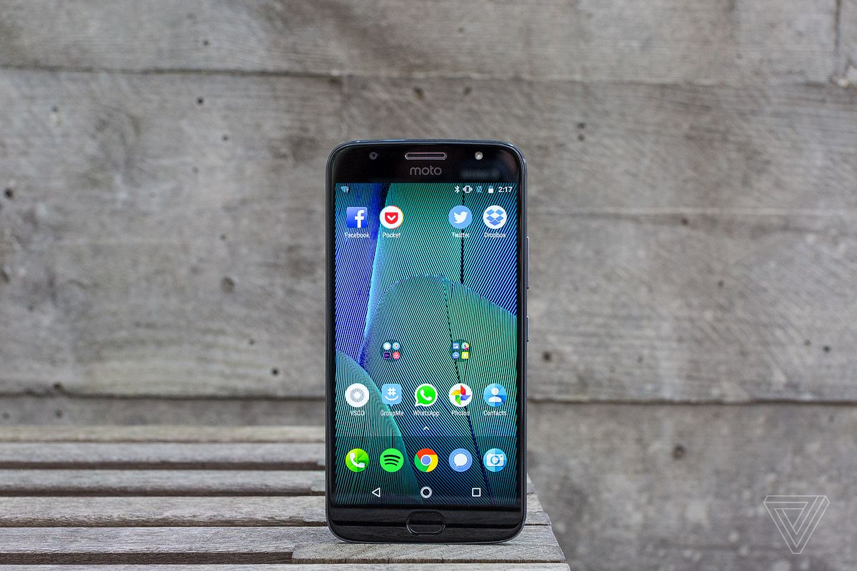 Motorola Moto G5S Plus Review: Bigger And Better, But At A Cost - Round Trailer Plug Wiring Diagram Nz