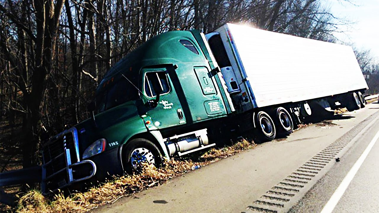 Semi Truck & Car Tire Blowout On Dashcam 2017, Idiot Car & Semi - Semi Truck Trailer Wiring Diagram
